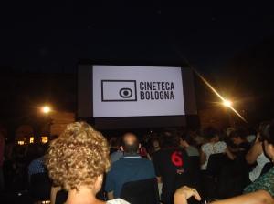 Amostra de cinema em Bologna ao ar livre