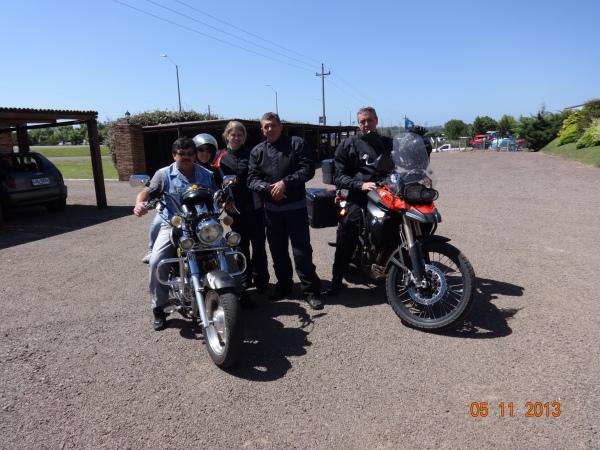 Amigo motociclista Tacuaremboense que nos levou ao Hotel