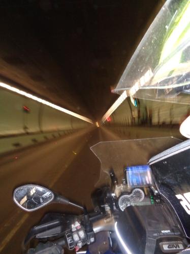 ttunel sob o rio Paraná