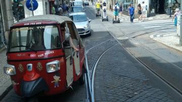 de tuc-tuc em Lisboa